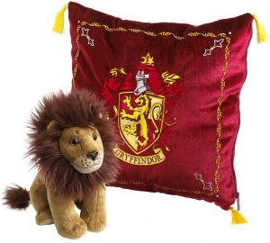 Peluche de cojín de Gryffindor con león de 34 cm de The Noble Collection - Los mejores peluches de las casas de Hogwarts - Peluches de Harry Potter